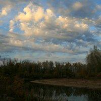 Плывут по небу облака... :: Евгений Юрков