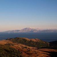 Гибралтар с берега Испании. :: tatiana
