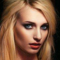 Александра :: Yulia Konovalova