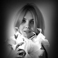 Девушка с лилиями :: Vorona.L