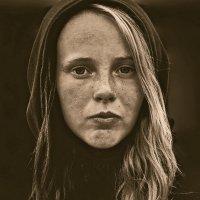 Уличный портрет девушки :: Елена