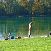 Октябрь...купальный сезон продолжается... :: Galina Dzubina
