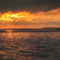 Рассвет над Бакальской бухтой :: Алина Шостик
