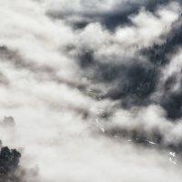 Туманное утро на Малой Дукке. :: Александр К.