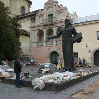 Памятник   Ивану   Фёдорову   в   Львове :: Андрей  Васильевич Коляскин