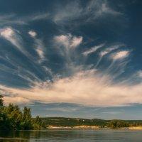 Про коронованное небо над Волгой. :: Андрей Лепилин