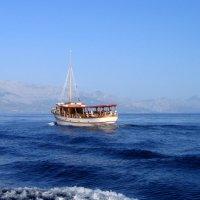 в пасмурный день немного моря :: tatiana