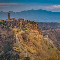 Civita di Bagnoregio(замок на горе) :: михаил