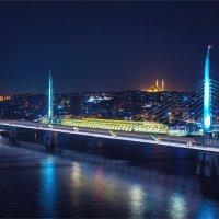 Метромост через залив Золотой рог в Стамбуле :: Ирина Лепнёва