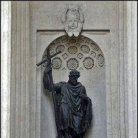 Скульптура Казанского собора - Князь Владимир :: Вера