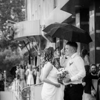 Дождь не помеха... :: Александр Мясников