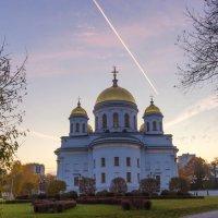 Новотихвинский женский монастырь (фото с контрастным рельефом) :: Наталья Чистополова