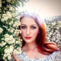 Девушка в цветах :: Юлия Шевцова