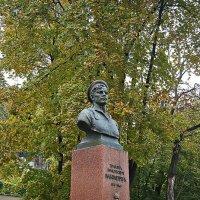 памятник Г.Н. Вакуленчуку :: Александр Корчемный