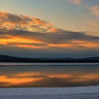 Рассвет над Амуром и первый снег. :: Виктор Иванович