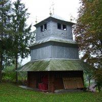 Деревянная  звонница   в   Отыние :: Андрей  Васильевич Коляскин