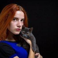 Девушка с кошкой :: Сергей Бутусов