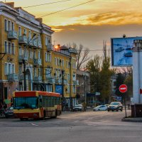 Закат на площади :: Дмитрий Чернов