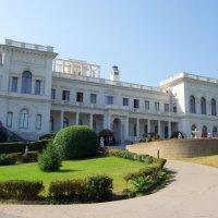 Ливадийский дворец в Крыму :: Валерий Новиков