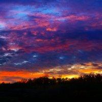 Церковь Всех Святых на Мамаевом Кургане на фоне закатных минут :: Александр Дробков