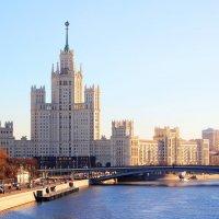 Сталинская высотка на Котельнической набережной г.Москва :: Андрей