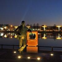 Памятник Зворыкину (Останкино) :: Leonid Voropaev