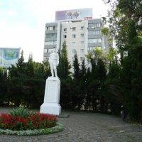 Памятник М. Горькому :: Виктор