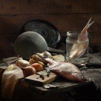 Рыбка в банке. :: Сергей Фунтовой