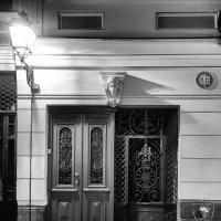 Фонарь, аптека... :: Levon Kiurkchian