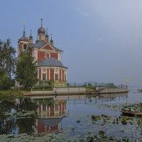 Умели выбирать места для храмов :: Сергей Цветков