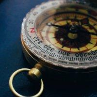 compass :: Karina Sholokhova