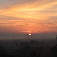 Солнце всходит... :: Валентина Данилова