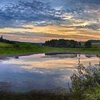 рассвет над озером :: юрий иванов