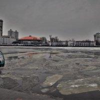Апрель в большом городе. :: Лариса Красноперова