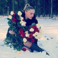 Девушка с розами :: Виктория Левина