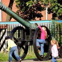 Юные артиллеристы :: Сергей