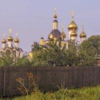 За огородами монастырь :: Сергей Цветков