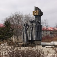 Памятник :: Сергей Коваленко