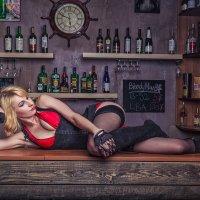 Девочка сегодня в баре... :: Олег Masslov