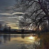 Осенний вечер :: Oleg S