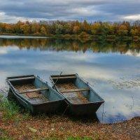 Две лодки, две судьбы. :: Юрий. Шмаков