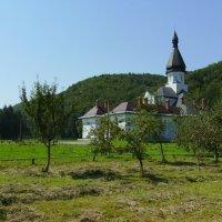 Женский   монастырь  в   Гошиве :: Андрей  Васильевич Коляскин