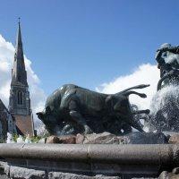 Фонтан, изображающий богиню Гефиону, погоняющую быков :: Елена Павлова (Смолова)