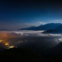 Люди и облака под луной :: Владимир Сковородников