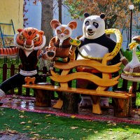 Вот такая скамейка в зоопарке :: Светлана