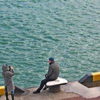 На фоне моря :: Людмила