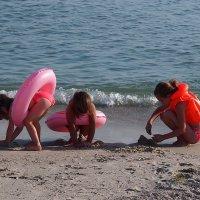 The Box - пляж эмоций. Там архитекторы трудились рук не покладая... :: Александр Резуненко