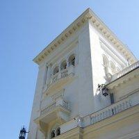 Северный фасад Ливадийского дворца. :: Валерий Новиков