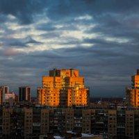 Городской рассвет :: Михаил Бояркин