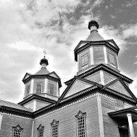 Деревянная церковь :: Сергей Тарабара